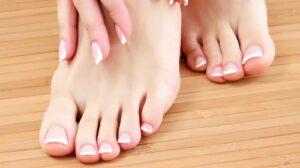 วิธีการตัดเล็บที่ถูกต้องที่เล็บมือเล็บเท้าสาวๆ ควรรู้