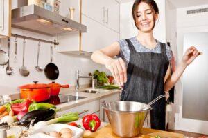 แนะนำทำอาหาร เมนูง่าย ๆ สำหรับแม่บ้านมือใหม่อยากเข้าครัวครั้งแรก